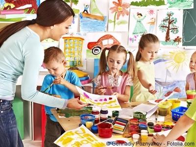 Malvorlagen ausmalen und Basteln mit Kindern