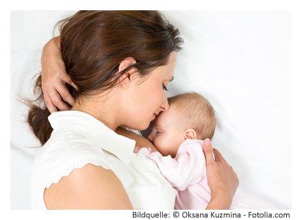Stillzeit entspannt das Baby stillen