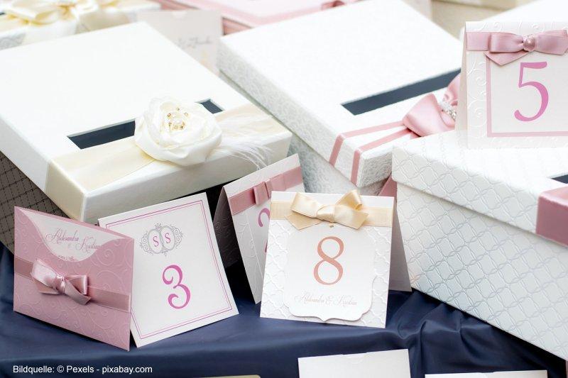 Stilvolle Hochzeitseinladungen